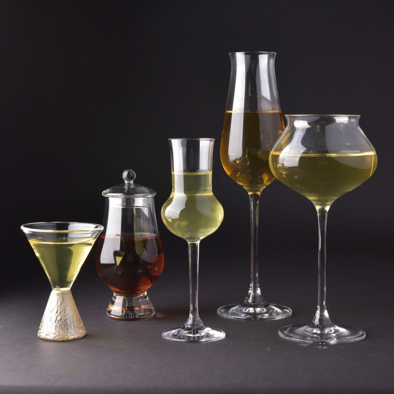 様々な品種、製法のお茶をお楽しみください