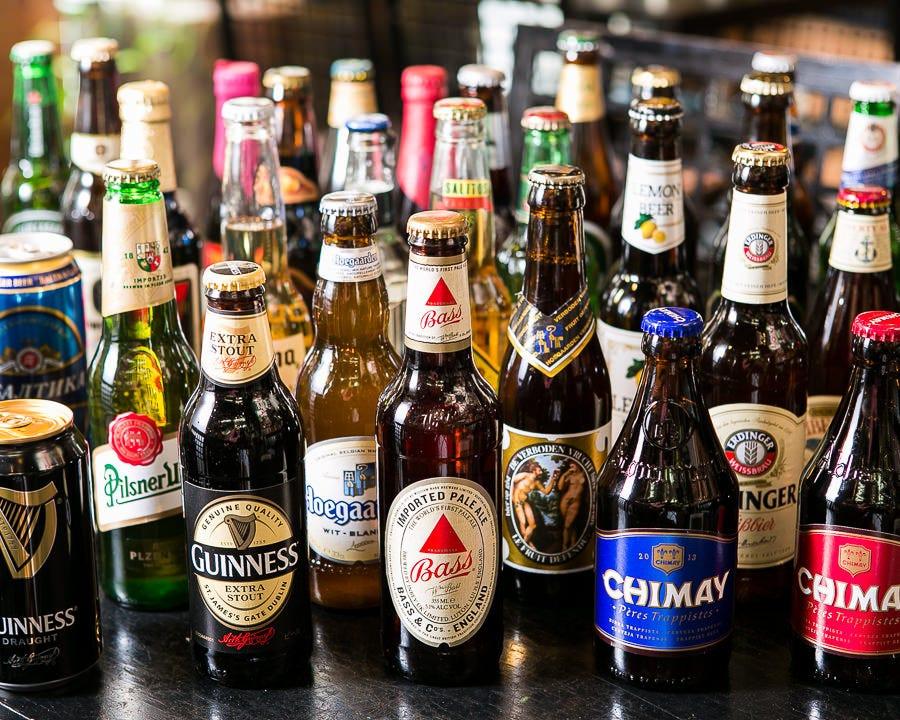 世界のビールが40種類以上!!これはほんの一部。