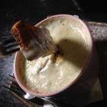 あさりとヤリイカの香草バタークリーム煮 フォンデュ仕立 パン添