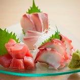 お肉だけじゃない!新鮮なお刺身もあります!500円~