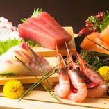 【 鮮魚 】 新鮮なお刺身と厳選された清酒がベストマッチ♪