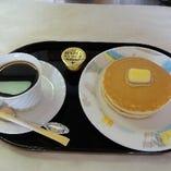 ホットケーキ&コーヒー or 紅茶