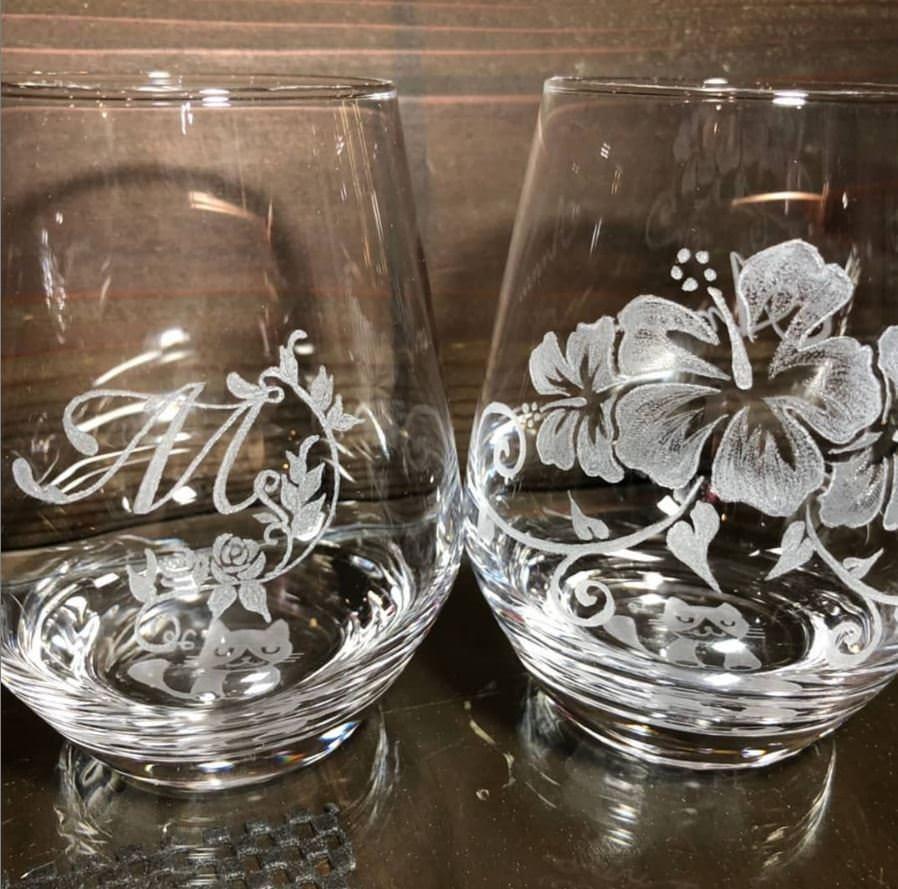 オリジナル手彫りグラスをプレゼント