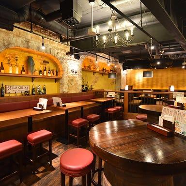 イタリアンバル ワインと泡の店 33  店内の画像