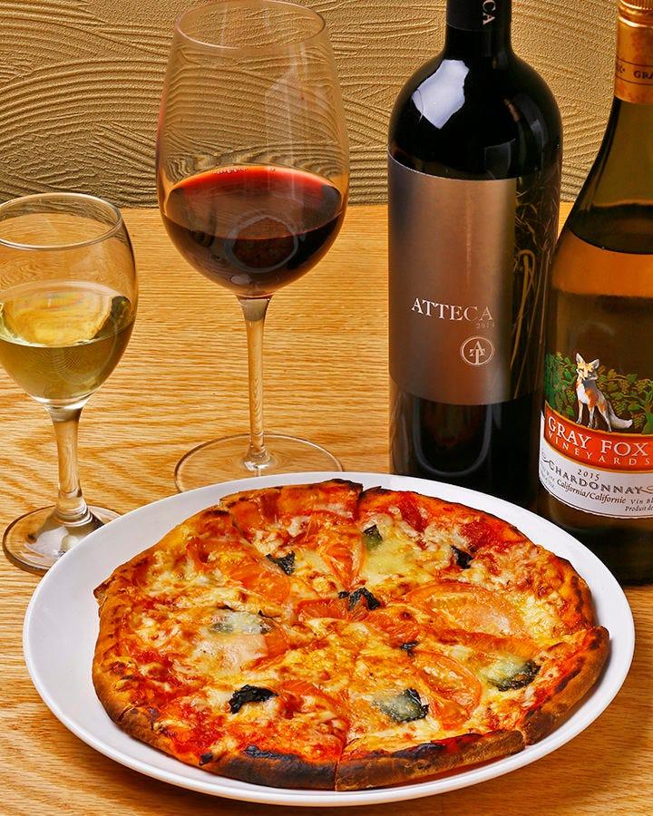 深い味わいのワインと丹精込めた ピザ&パスタをご堪能ください