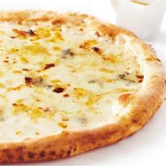 4種のチーズのピッツァ~ハチミツ付~