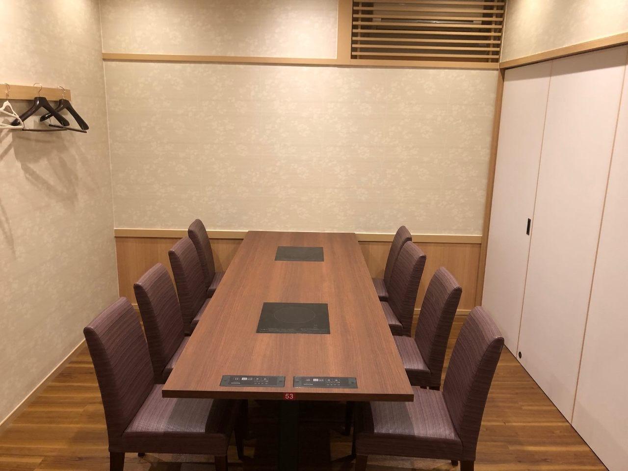 大小テーブル個室で和みのひと時を