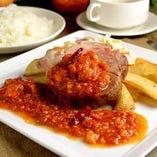 食べるソースでさらにパワーアップ!肉を存分に楽しめるランチ!