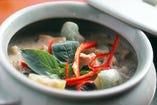 チェディ特選 鶏肉と茄子のグリーンカレー