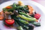 季節野菜のオイスター炒め