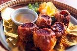 チェンマイ風蟹と豚肉の湯葉巻き揚げシュウマイ