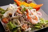 天然海老とイカの春雨スパイシーサラダ