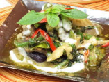 季節野菜のグリーンカレー炒め