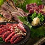 糸島産地鶏、ハツ刺し、ずり刺しが入ったお得な鶏刺し盛り合わせ