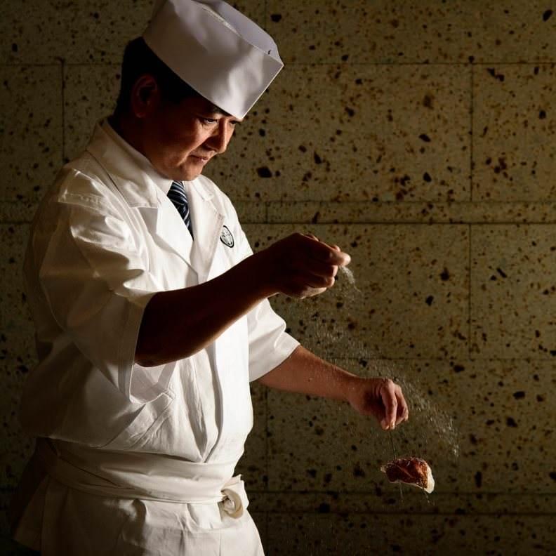 和食板前が熟練の技と真心こめて織りなすお弁当