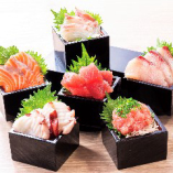 その日に入った旬の魚を是非違いがわかるお刺身でご堪能ください