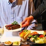洗練された熟成肉は、おもてなしの場面にもぴったり
