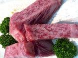 神戸屋自慢のロース肉 焼肉は「ロース」です!