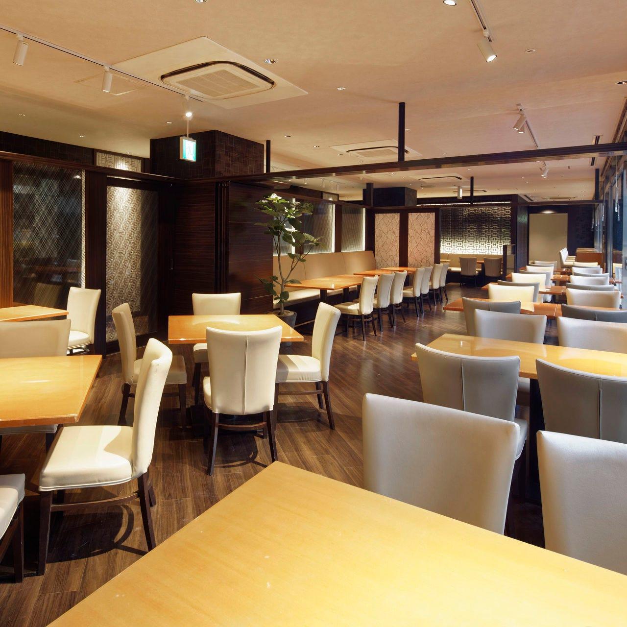 「Restaurant Garden」地下1階:パーティー利用に最適です。
