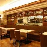 1階レストラン:ディナー・ランチをご利用いただけます。