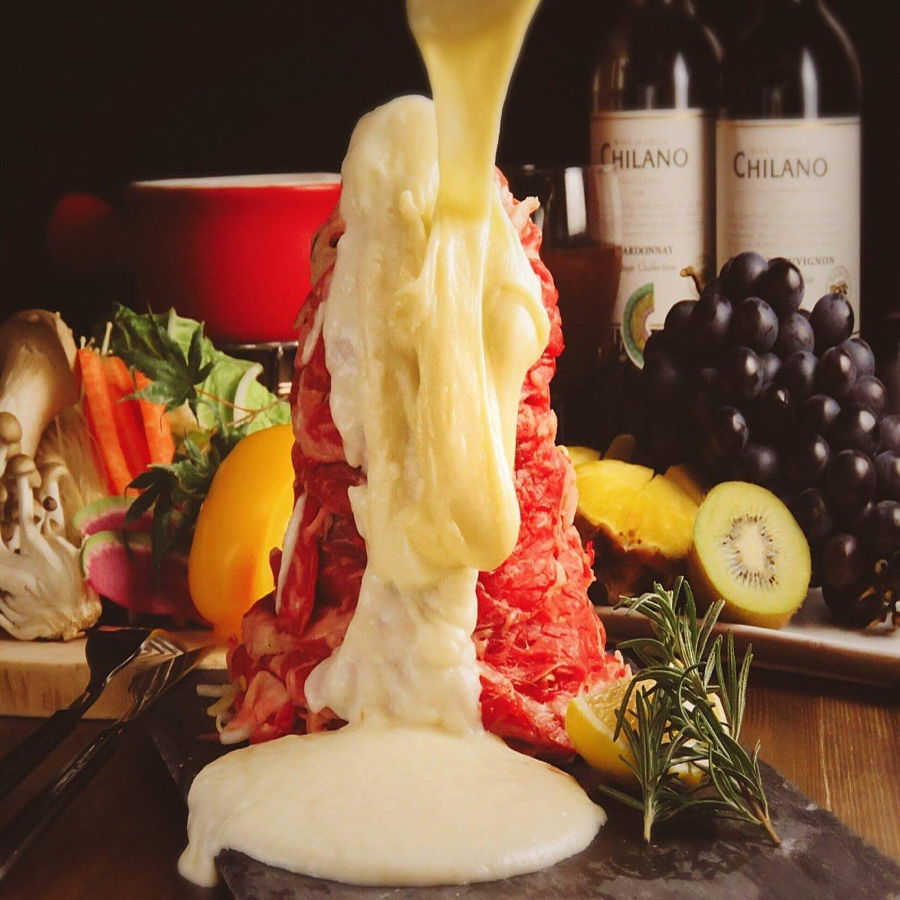 SNSで話題の2019年トレンド『肉炊きWチーズ鍋』が期間限定で登場