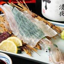 オーナーが毎朝市場で仕入れる魚介類