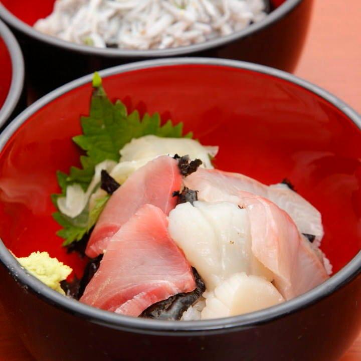 浜焼き&海鮮丼!人気の浜焼きセットは3種類♪2280円