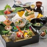 月替わりの松華堂スタイルのお弁当は大人気です!