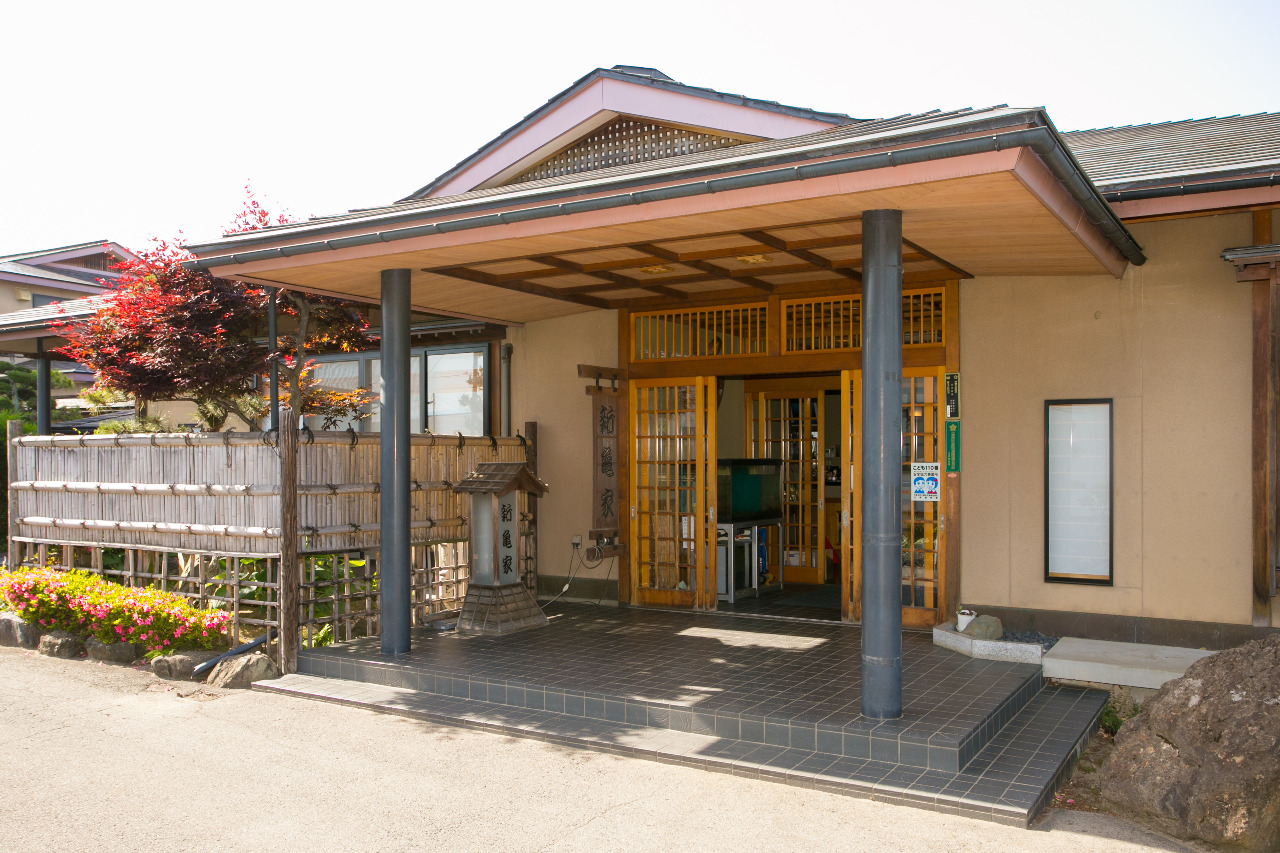 日本料理 新亀家