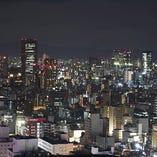 ◇高層ビル群のライトが煌めきます