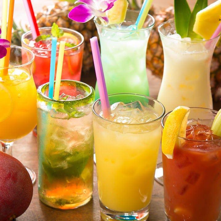 ハワイアンカクテルも豊富 な飲み放題メニュー