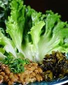 納豆と高菜のレタス包み