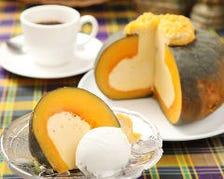 かぼちゃケーキとココナッツアイスのセット