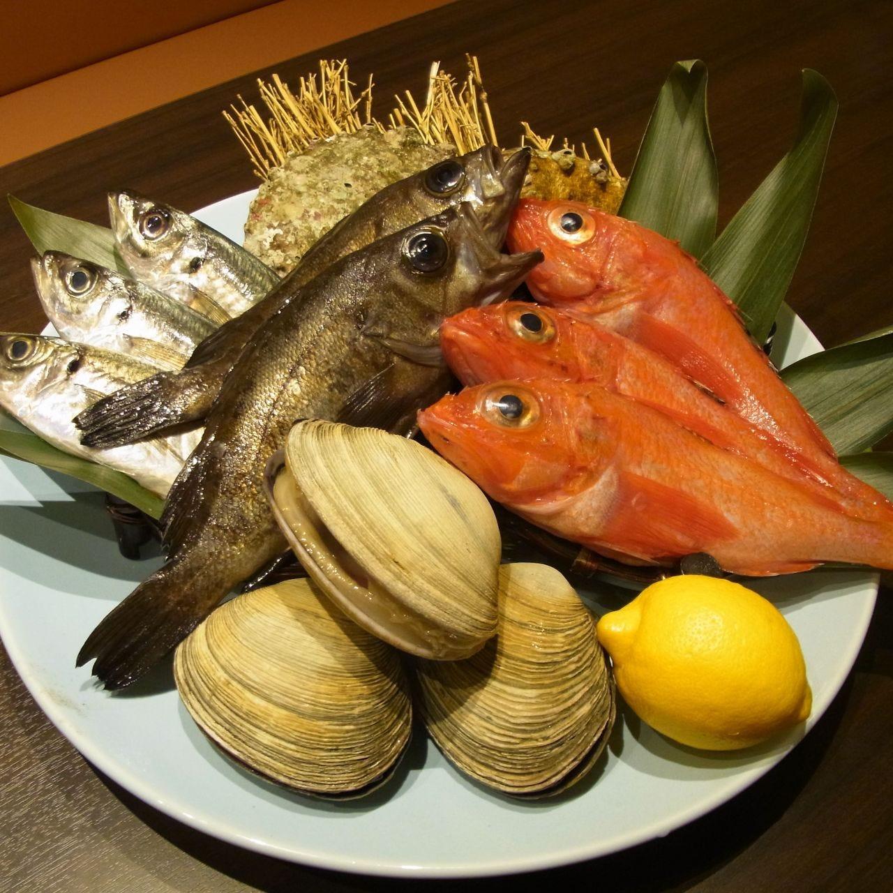 自慢の鮮魚と旬食材!