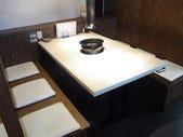 1F;2~6名様用テーブル席