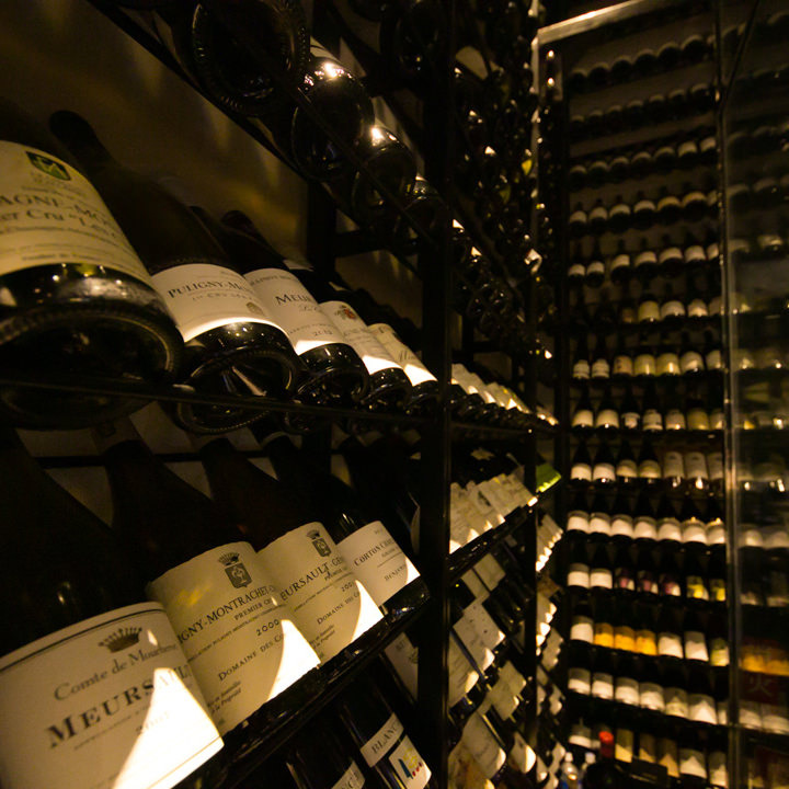 圧巻!!厳選した仏ワインのみ600種超