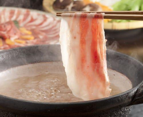 しゃぶしゃぶのお出汁は「鹿児島産かつお節と利尻昆布」