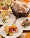 ■テイクアウトスタート■ 焼き菓子やケーキをお土産に