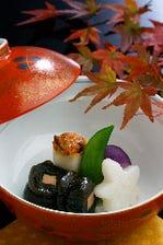 月替り会席料理 10,000円(御料理+奉仕料+消費税込みで12,650円)