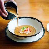 味はもちろん製法、見た目にまでこだわった料理の数々です。