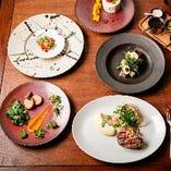 多彩なジャンルを網羅したシェフによる独創的な料理をご堪能。