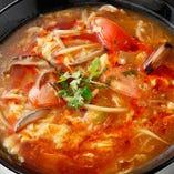 トマト入酸辣湯麺