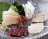五つの味わい・五つの食感 まずは鯨の造りをお楽しみください