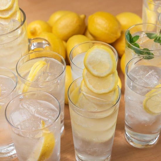 串巻きなどの料理に合う当店自慢の檸檬サワーを多数ご用意!