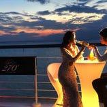 幻想的な雰囲気に包まれるナイトシーンはデートに最適です!