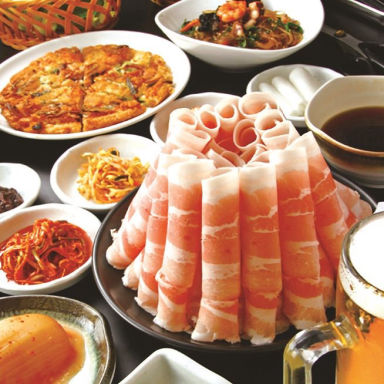 韓国料理 サムギョプサル とん豚テジ 新宿東口ゴジラロード店 こだわりの画像