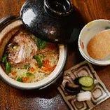 季節に合わせた釜飯も人気。注文が入ってから炊き上げます。