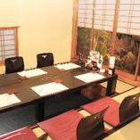 落ち着いた雰囲気でゆっくりお食事を堪能できる個室