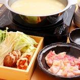 大和肉鶏を贅沢に使用した当店オリジナル博多風の水炊き☆