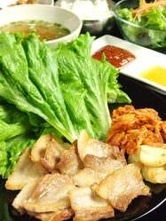 韓国料理とサムギョプサル 豚まる  メニューの画像